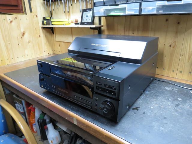 Sony CDP-CX100