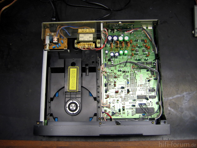 Sony CDP-M70_4