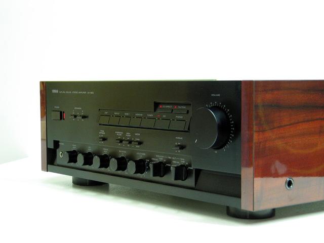 Yamaha AX-900
