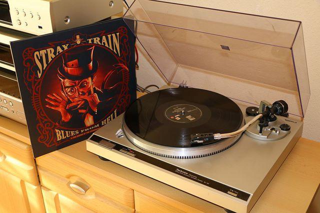 Stray Train   Blues From Hell