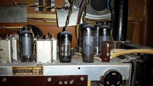 Philips Saturn Röhrenradio
