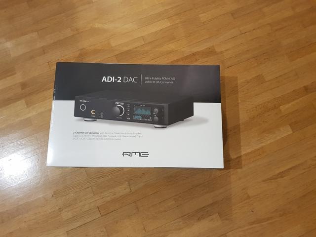RME ADI-2 DAC FS Verpackung