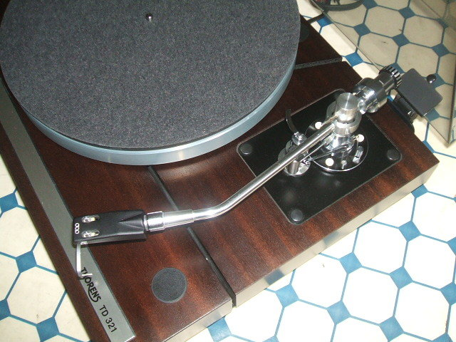 Thorens 321 mit Spell´s Audio Arm