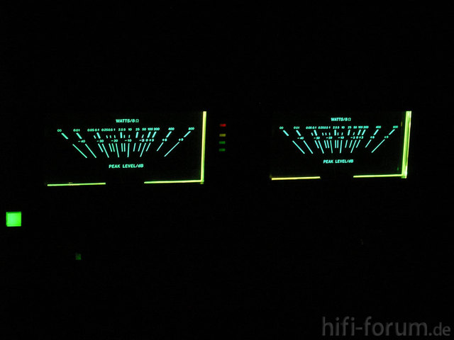 Proton D1200 Bei Nacht