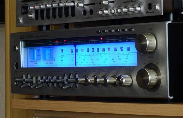 ITT 8033 mit blauer LED Beleuchtung