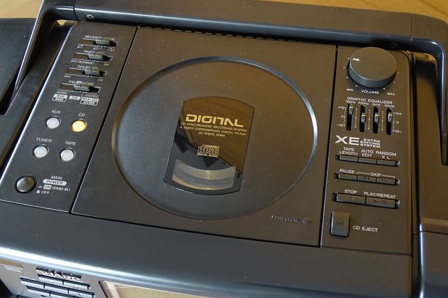 Sharp QT 88CD E