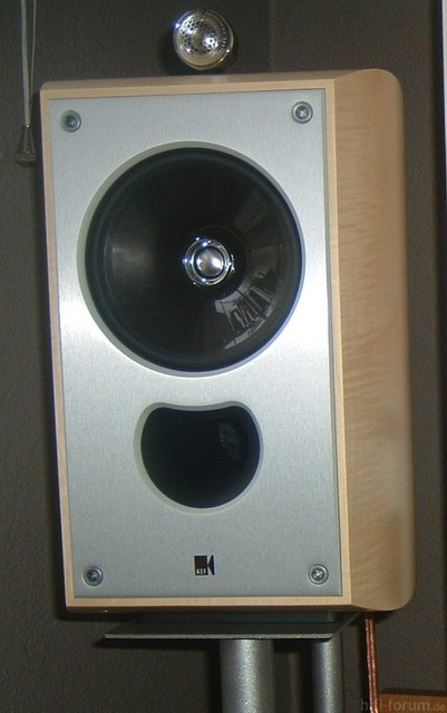 KEF XQ One Maked
