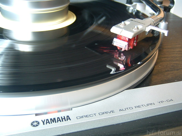 Yamaha YP-D4 Mit HITACHI Headshell U. DL-110 MC