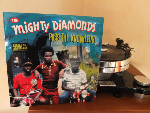 The Mighty Diamonds   Pass The Knowledge