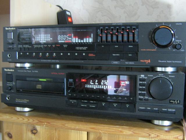 Technics SA R330 001