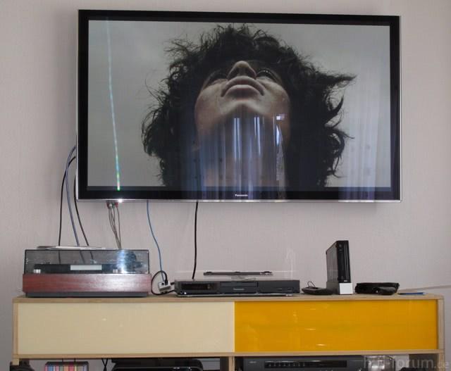 p55vtw60 an der wand wand hifi bildergalerie. Black Bedroom Furniture Sets. Home Design Ideas