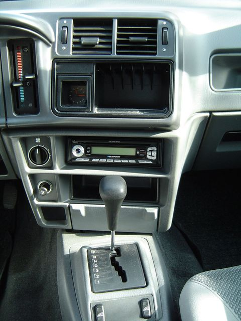 Ford Sierra CLX Swiss 1992 Console Middle