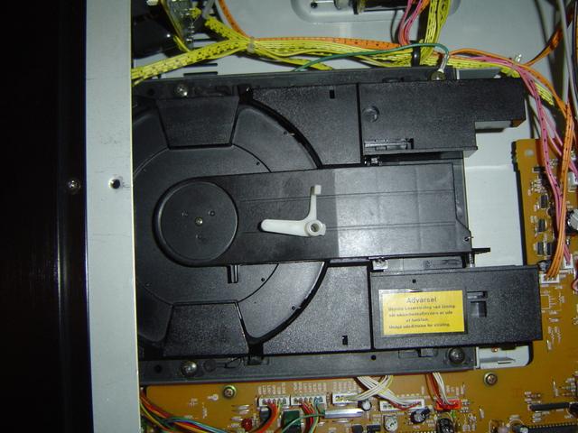 luxman cd player d 103u brauche hilfe beim zusammenbau. Black Bedroom Furniture Sets. Home Design Ideas
