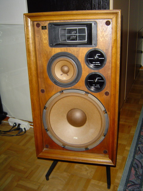 Pioneer CS-700