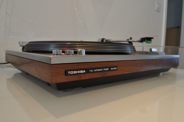 TOSHIBA SR-F330