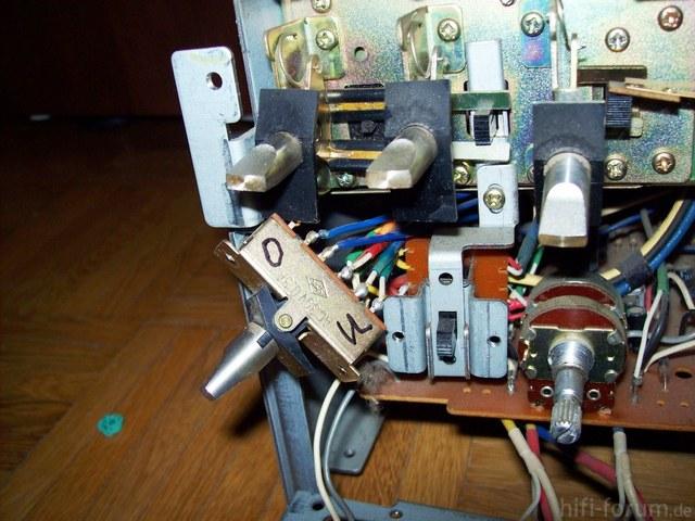 Schalter AKAI Monitor