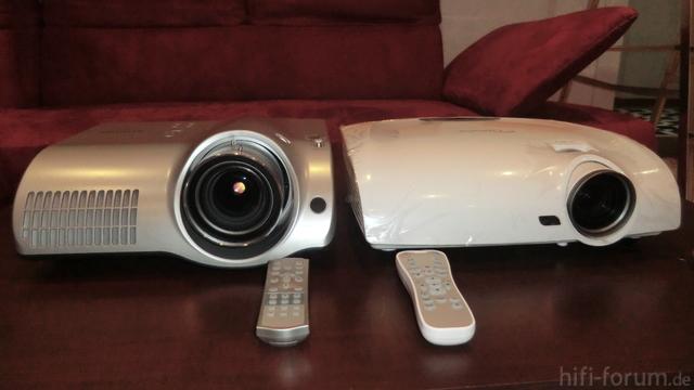 Optoma HD33 Vs. Hitachi Illumina PJ-TX100