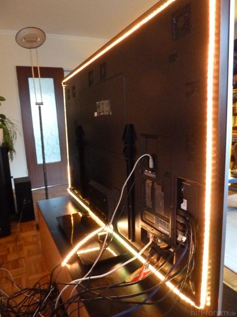 Rückseite TV, LED An