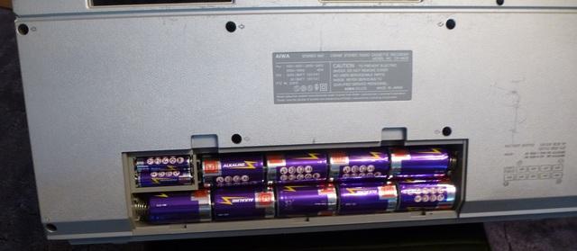 05 AIWA CS-880 mit Batterien bestückt klein