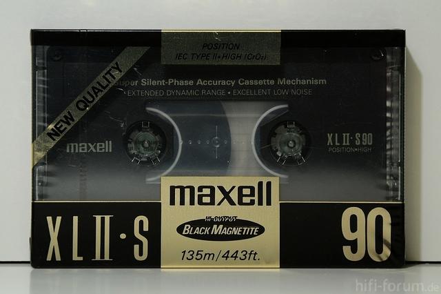 Maxell XLII S