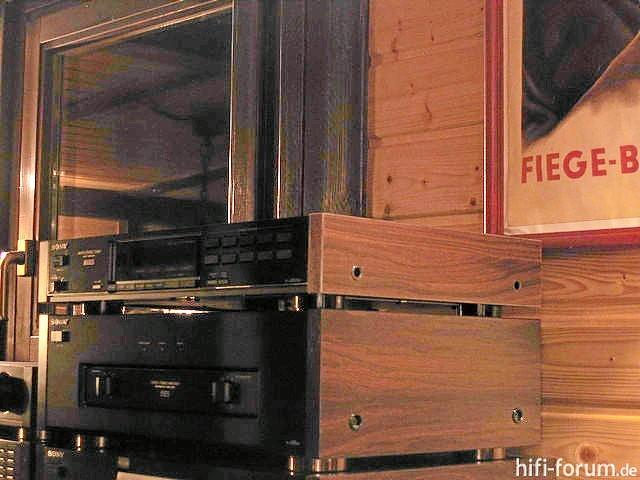 Sony-Geräte Mit Holzwangen (3)
