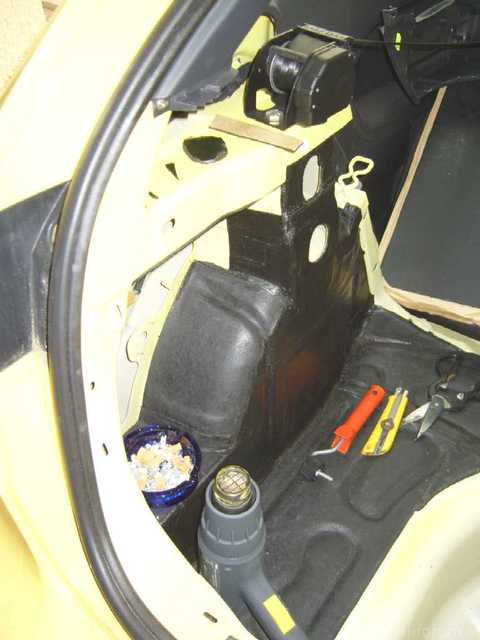 Reserveradmuldenausbau Ibiza 6L - Bitumisierung 5