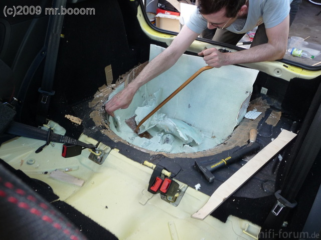 Reserveradmuldenausbau Ibiza 6L - Laminierung - Entformen 4