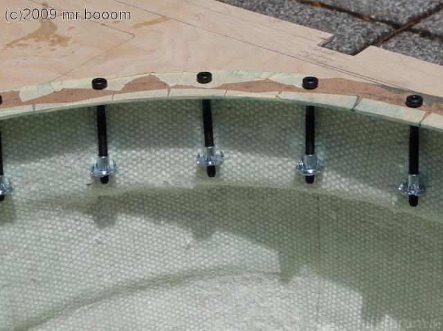 Reserveradmuldenausbau Ibiza 6L - Laminierung V2 - Mittelplattenbefestigung 4