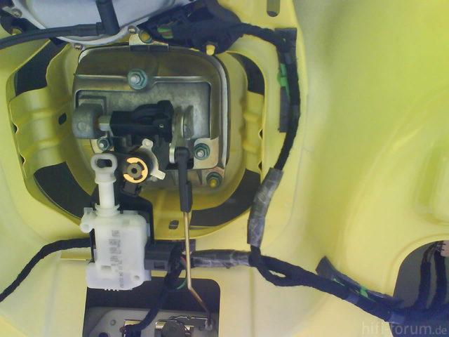 Reserveradmuldenausbau Ibiza 6L - Ruhigstellung Heckklappe 4
