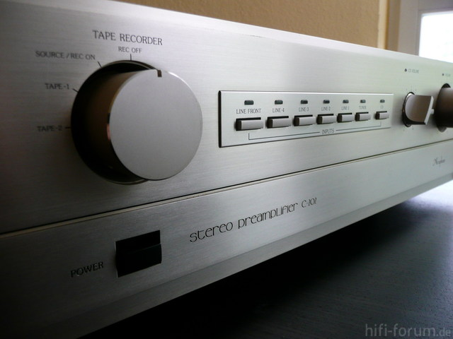 Accuphase C 202   2
