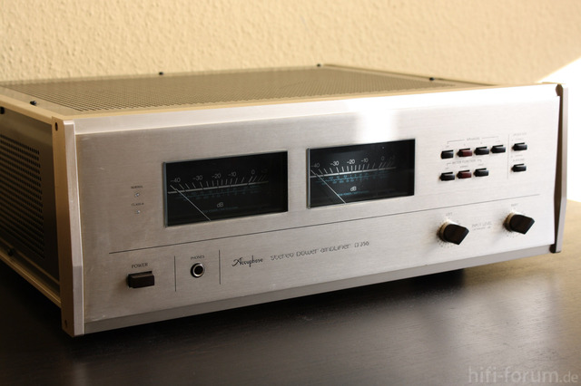 Accuphase P 266   03