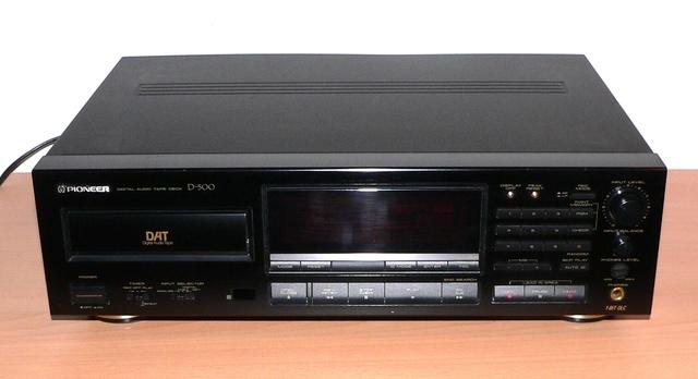 Pioneer D-500 Front