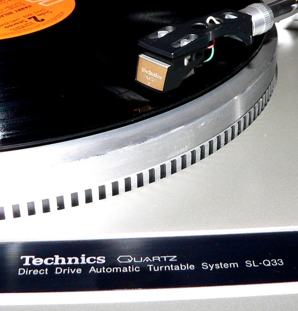 Technics SL-Q 33 - 01