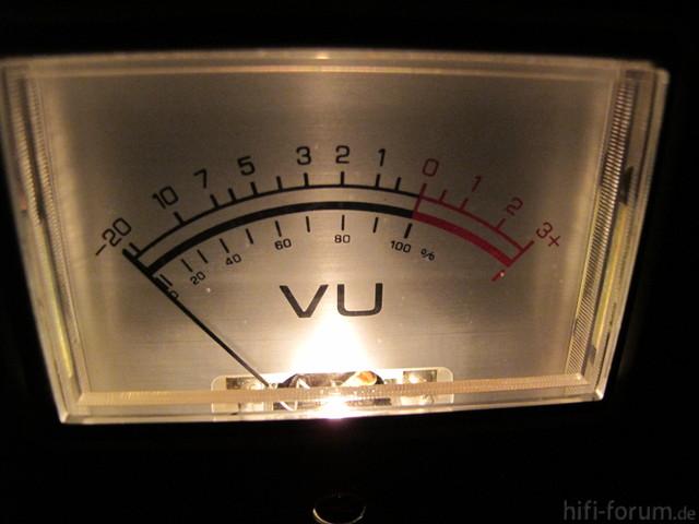 VU Meter Und Schrank 013