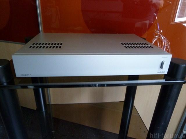 Audiolab 8000P Vorne [640x480]
