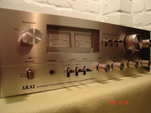 AKAI AM-2950 Silber