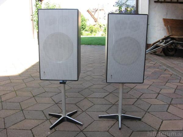 2 Lautsprecherboxen Foto Bild 63548185