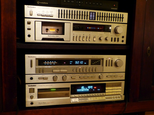 CD-Player SL-P550, Receiver SA-424, Tapedeck RS-M45 und Equalizer SH-8045