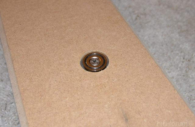 Zusätzlicher Magnet In Der Mitte Des Unteren Rahmenteils
