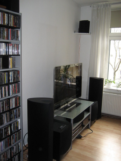 Kleiner Aussschnitt Des CD Regals
