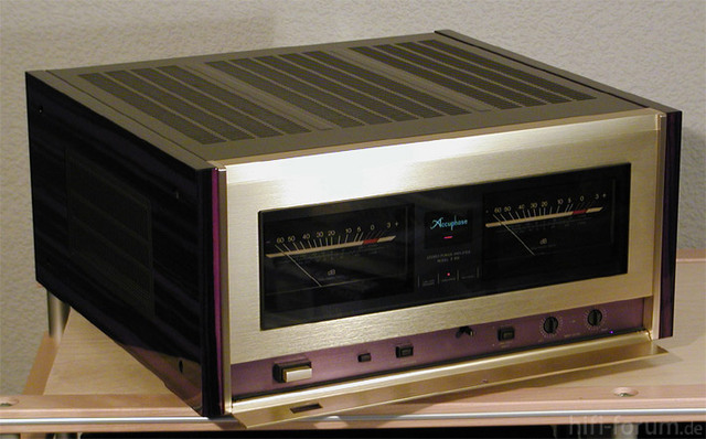 Accuphase-P-800-Side-oben-o