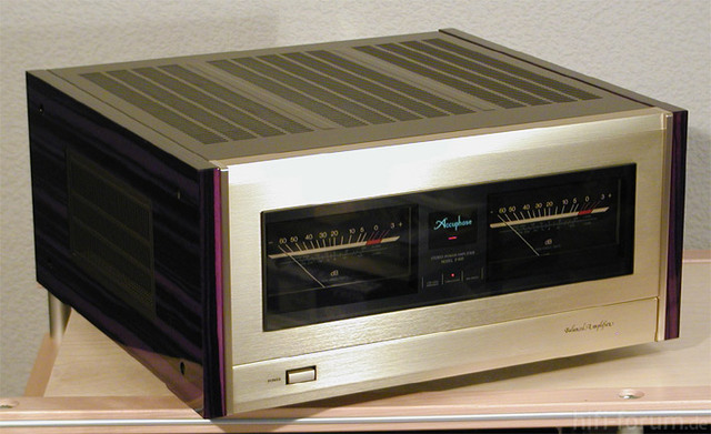 Accuphase-P-800-Side-oben