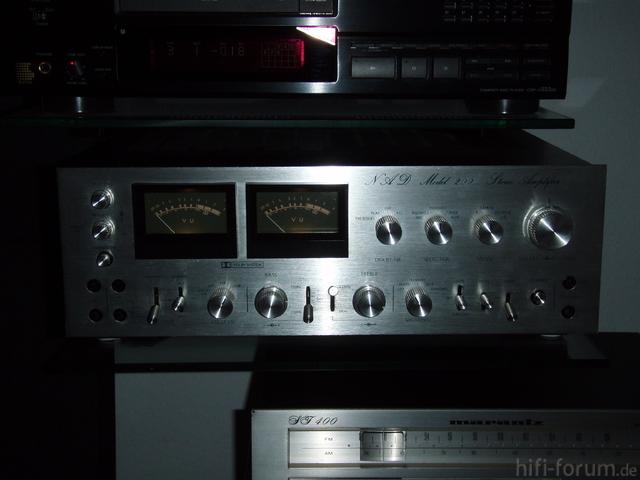 NAD Model 200