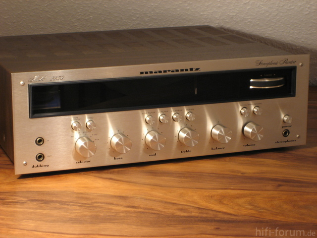 Marantz Model 2230 Gold 043