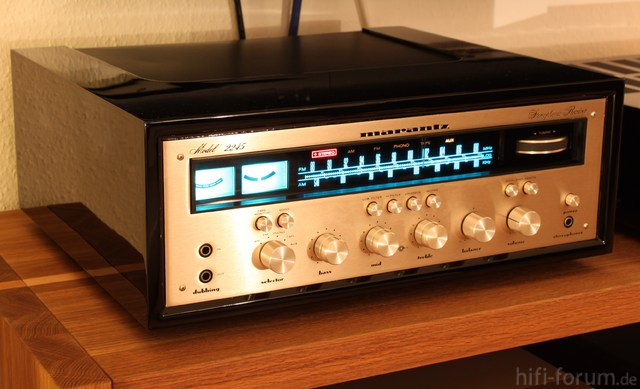Marantz Model 2245 Gold