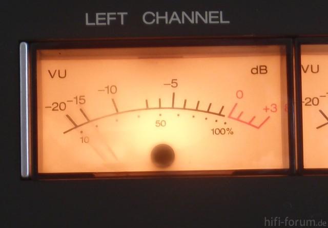 B77 - 12 VU-Meter