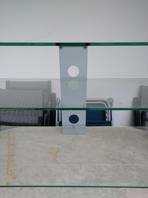 hochwertiges hifi rack aus glas zubeh r sonstiges hifi forum. Black Bedroom Furniture Sets. Home Design Ideas