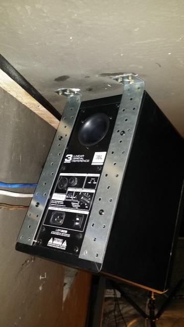 JBL LSR 305 Deckenhalterung