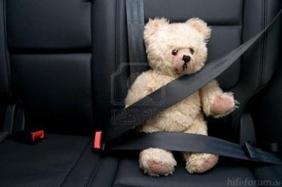 9547427 Teddybar Goldener Schnalle Mit Sicherheitsgurt Im Auto