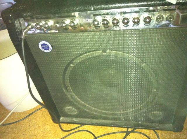 Der Bassverstärker Von Vorne